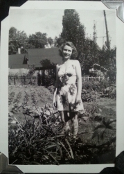 Grandma Pete in 3322 Garden