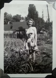 Grandma Pete in 3322 Garden